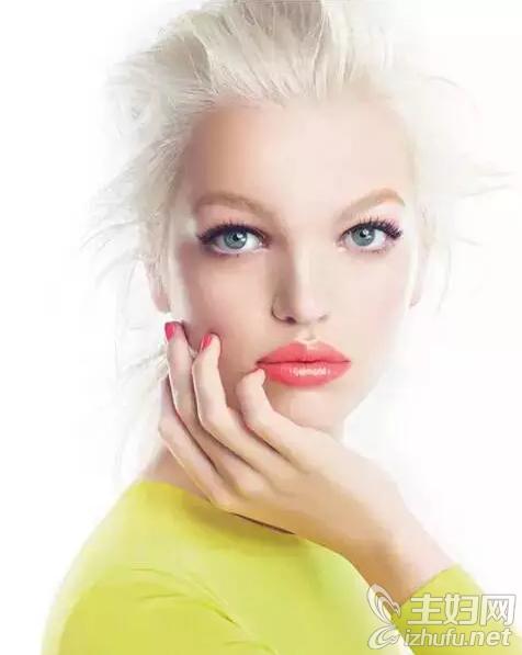 资讯【橙色妆容流行彩妆】橙色妆容+彩色眼线引领潮流显年轻